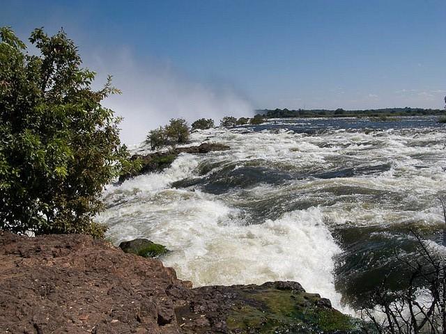 Victoria-Falls-07