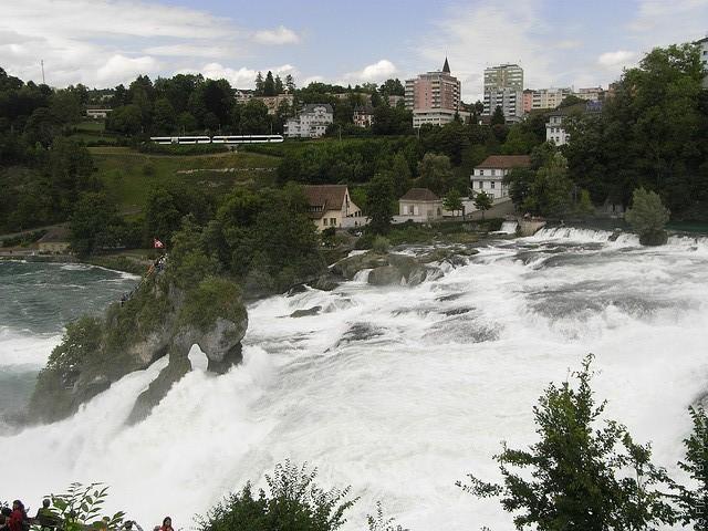 Рейнский водопад Швейцария
