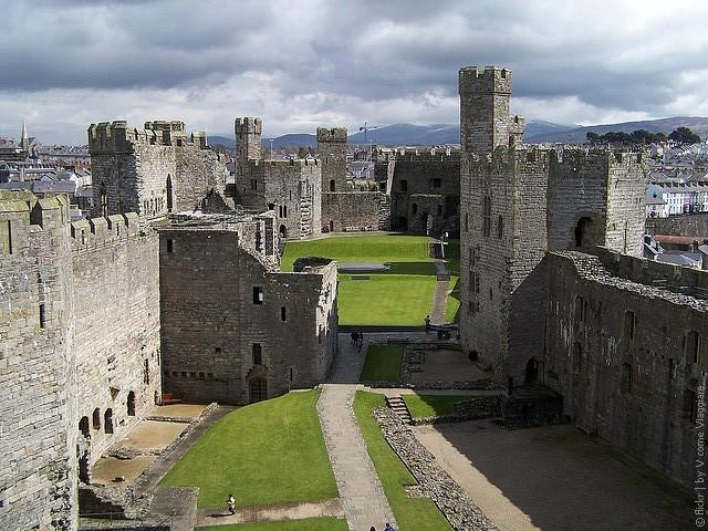 Замок Карнарвон Уэльс