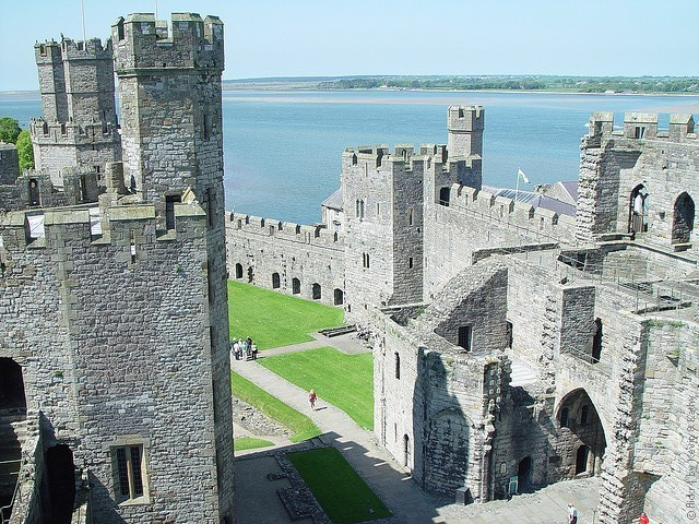 Замок Карнарвон в Уэльсе