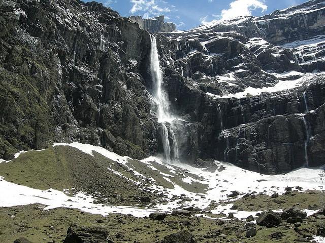 Водопад гаварни расположен на