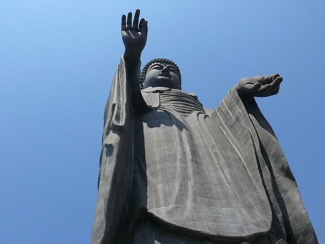 Статуя Будды Усику Дайбуцу 07