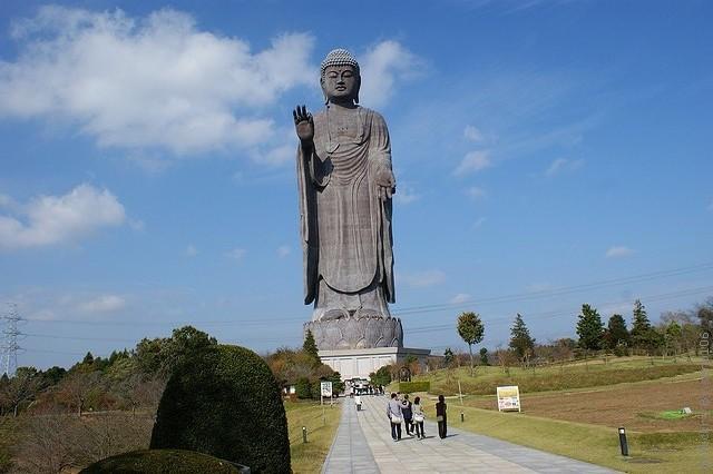 Статуя Будды Усику Дайбуцу 09