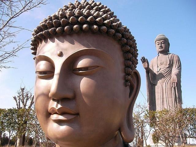 Статуя Будды Усику Дайбуцу 10