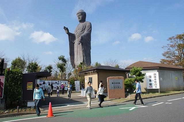 Статуя Будды Усику Дайбуцу 13