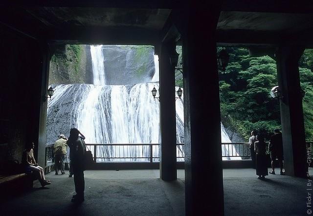 vodopad-fukuroda-10