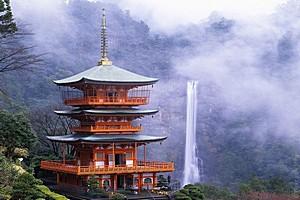 Водопад Нати, Япония