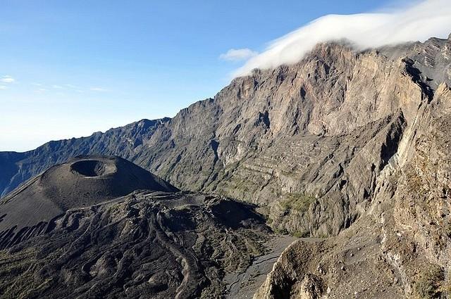 vulkan-meru-11