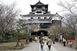 Замок Инуяма, Япония