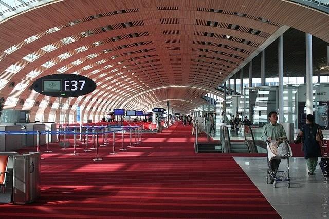 aeroport-imeni-sharlya-de-gollya-02