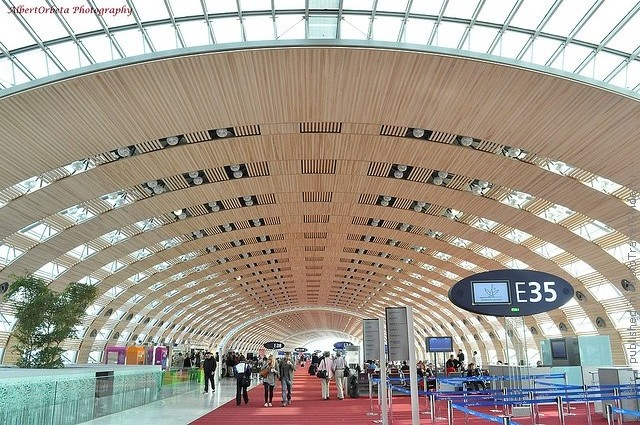 aeroport-imeni-sharlya-de-gollya-06