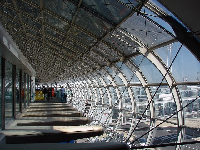 aeroport-imeni-sharlya-de-gollya-13
