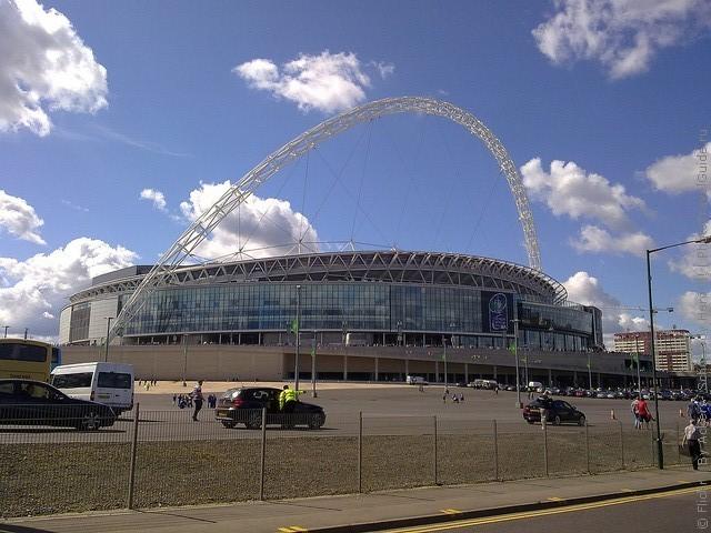 Стадион уэмбли фото