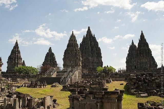 top10-kompleks-hramov-prambanan