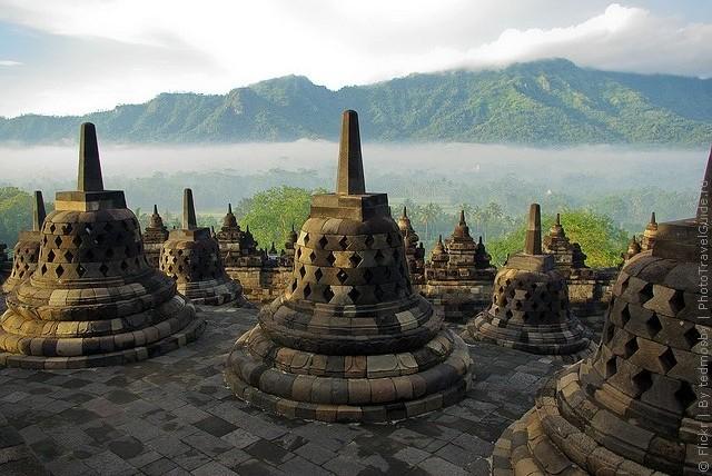 top10-stupa-borobudur