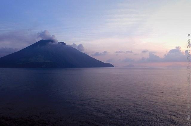 top10-vulkan-stromboli-1