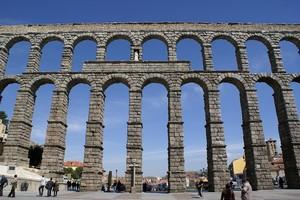 Акведук в Сеговии, Испания.