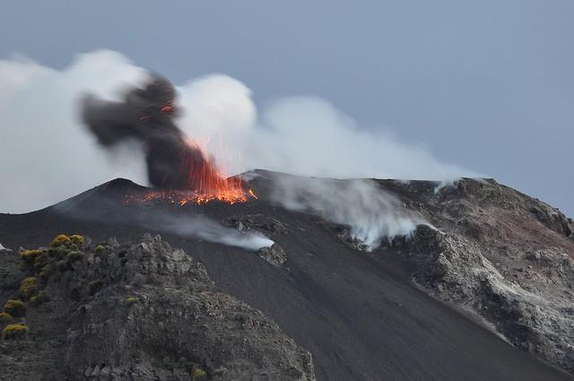 vulkan-stromboli-03