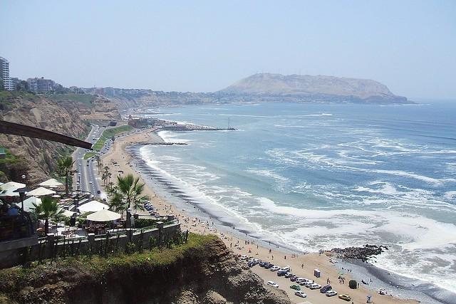 miraflores-beach-1