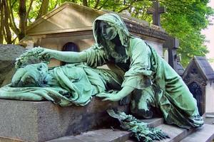 Кладбище Пер-Лашез в Париже, Франция.