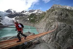 Мост Трифт в Альпах