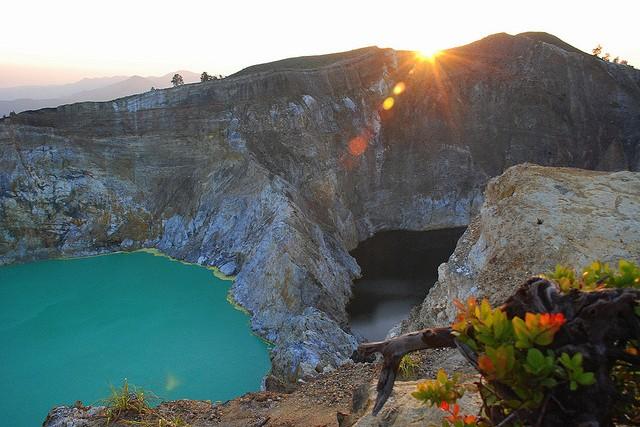 озера вулкана Келимуту