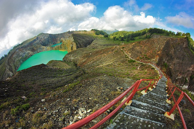 Келимуту Индонезия