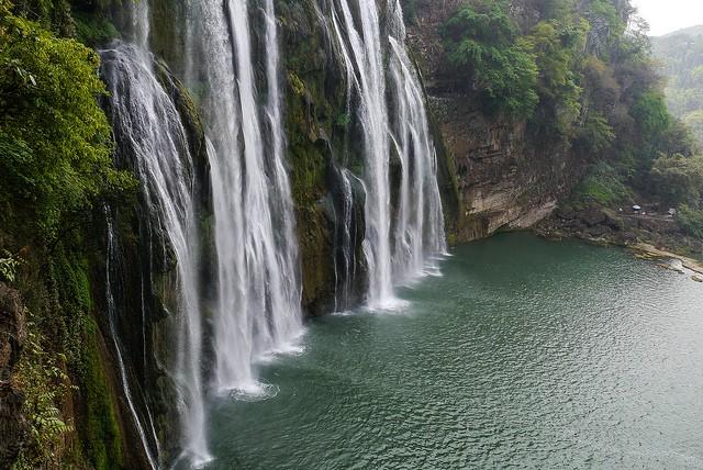 vodopad-huangoshu-03