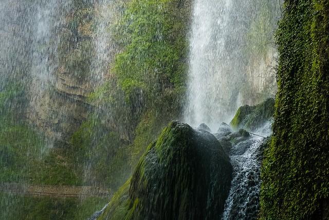 vodopad-huangoshu-04
