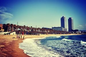 Пляж Барселонета, Испания.