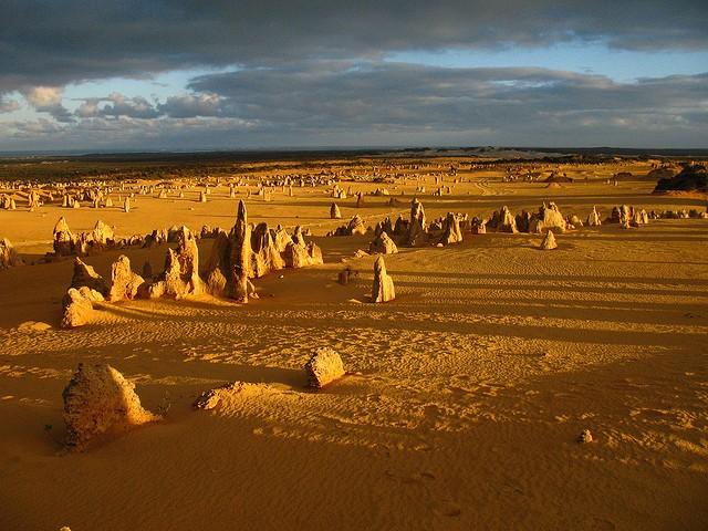 Пустыня Те-Пиннаклс фото