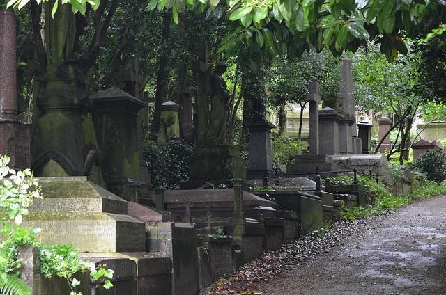 highgate-cemetery-02