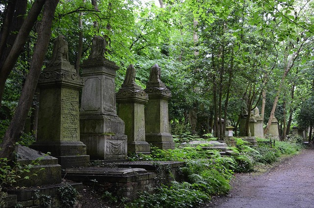 highgate-cemetery-07