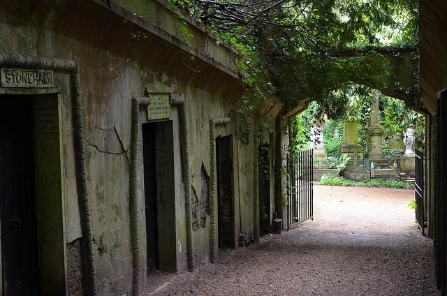 highgate-cemetery-09