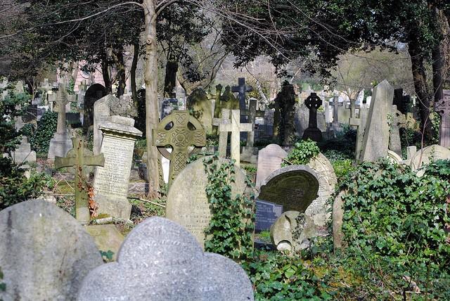 highgate-cemetery-14