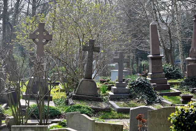 highgate-cemetery-16