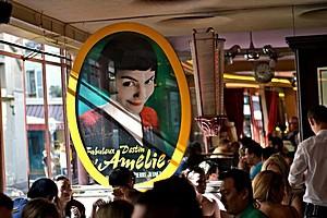 Кафе Две Мельницы в Париже