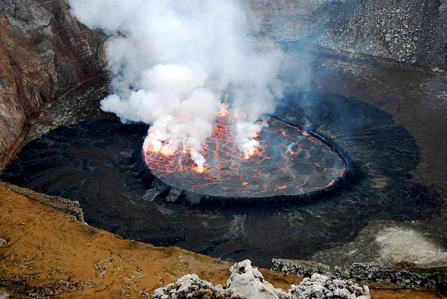 vulkan-niragongo-12