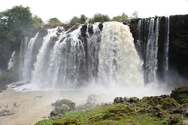 vodopady-golubogo-nila-05