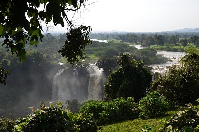 vodopady-golubogo-nila-11